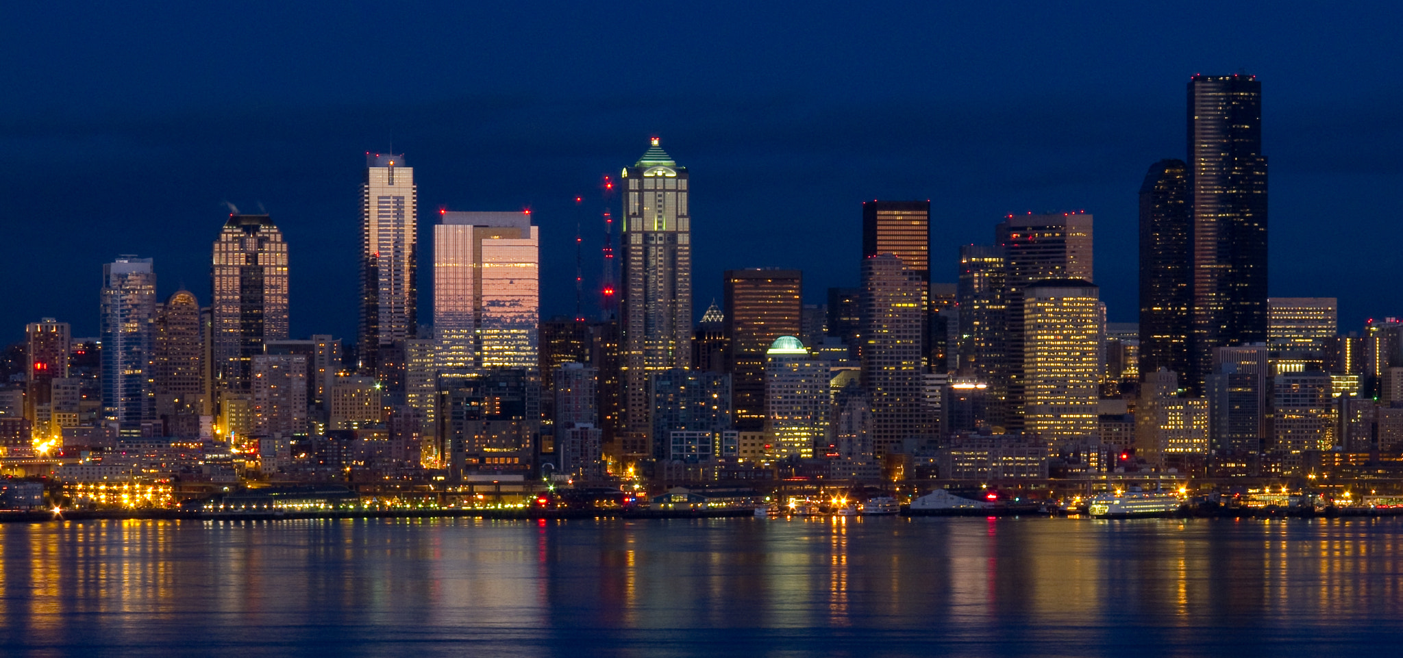 Photograph Seattle Skyline at Dusk by Jeff Carlson on 500px