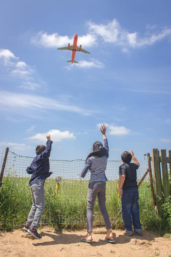 Watching Planes Take Off