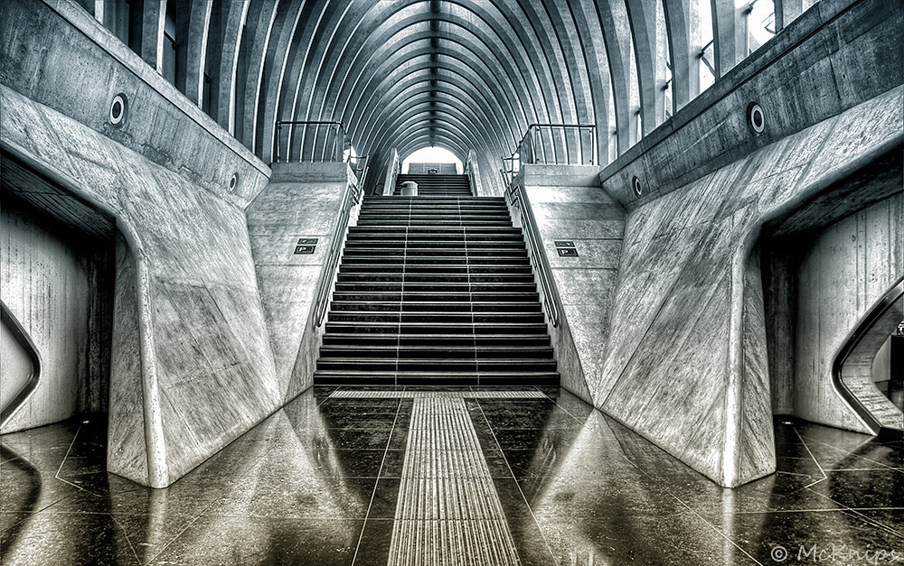Photograph upstairs by Bernhard Beser on 500px