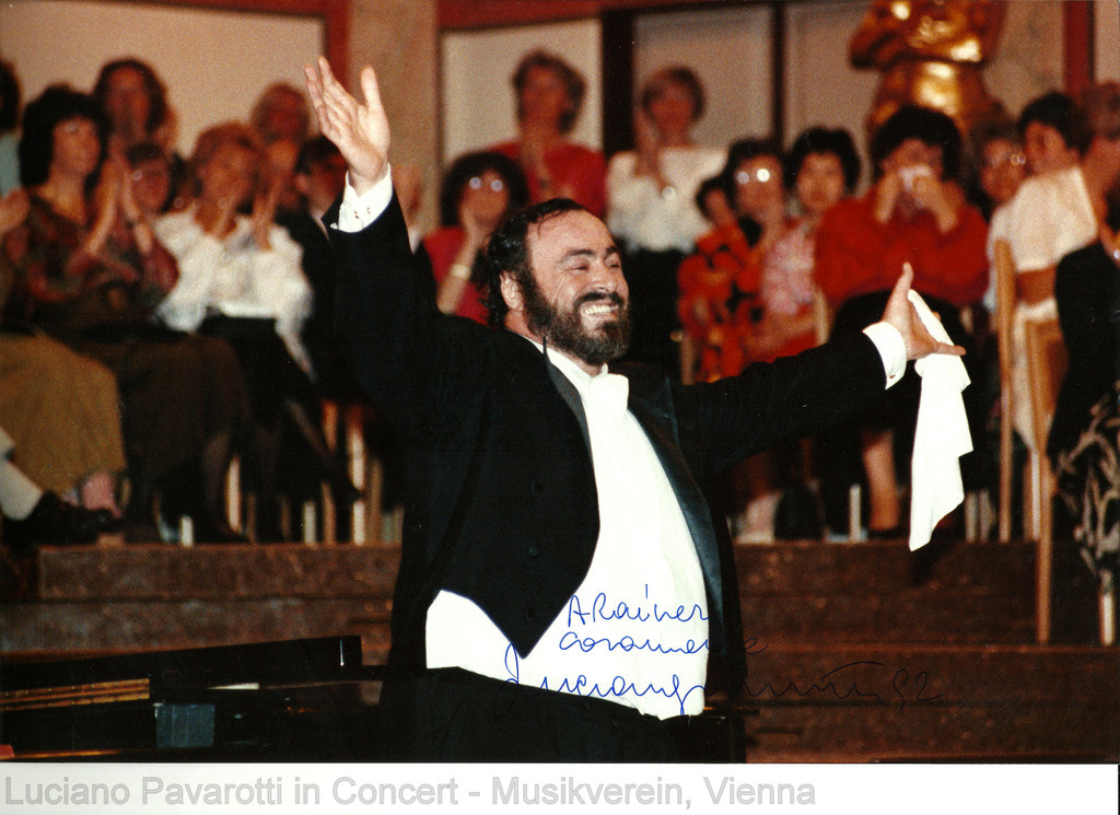 Photograph LUCIANO PAVAROTTI IN CONCERT by Rainer Leiss on 500px