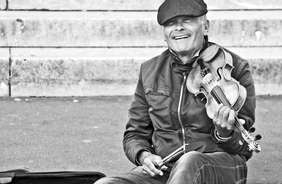 Photograph The violin player by Yann Thoyer on 500px