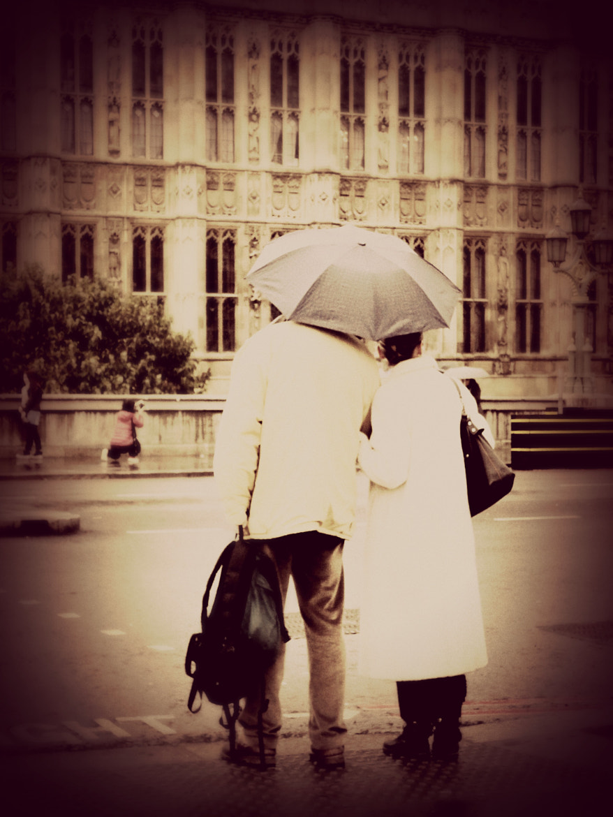 Photograph A couple in London by Ems Pedersen on 500px