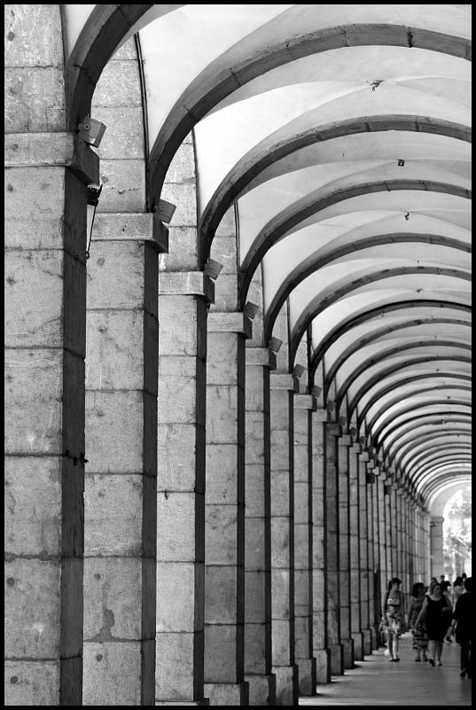 Photograph Promenade sous les arcades by Philippe Buffard on 500px