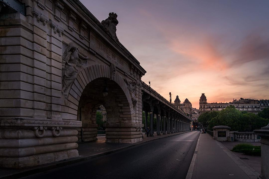 This is one of the shot we got yesterday! We finally had a nice sunset! #Paris #bridge #sky...