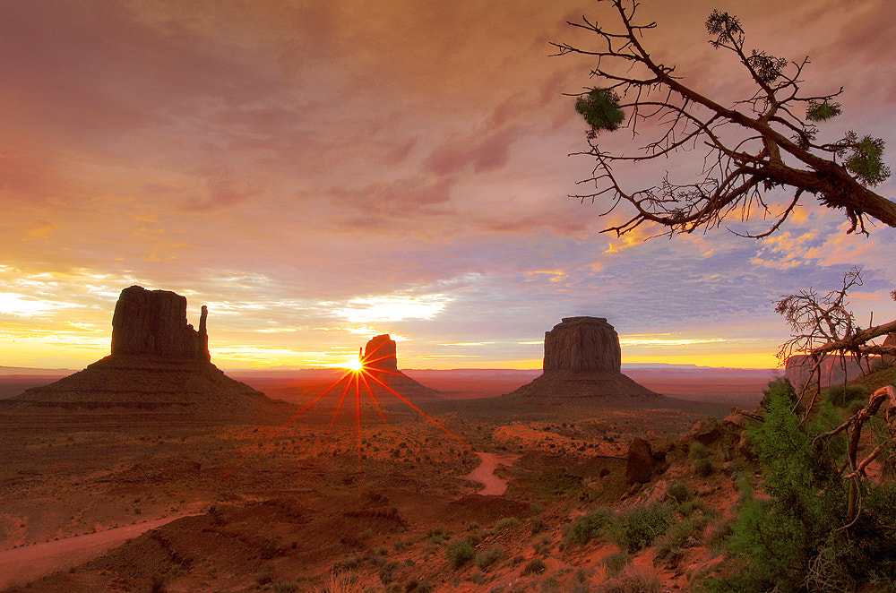 Photograph Sunrise Over Monument Valley by al juniarsam on 500px