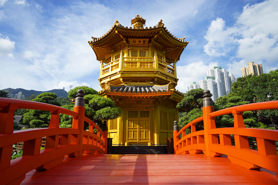 A temple in Hong Kong by Carson Woo on 500px.com