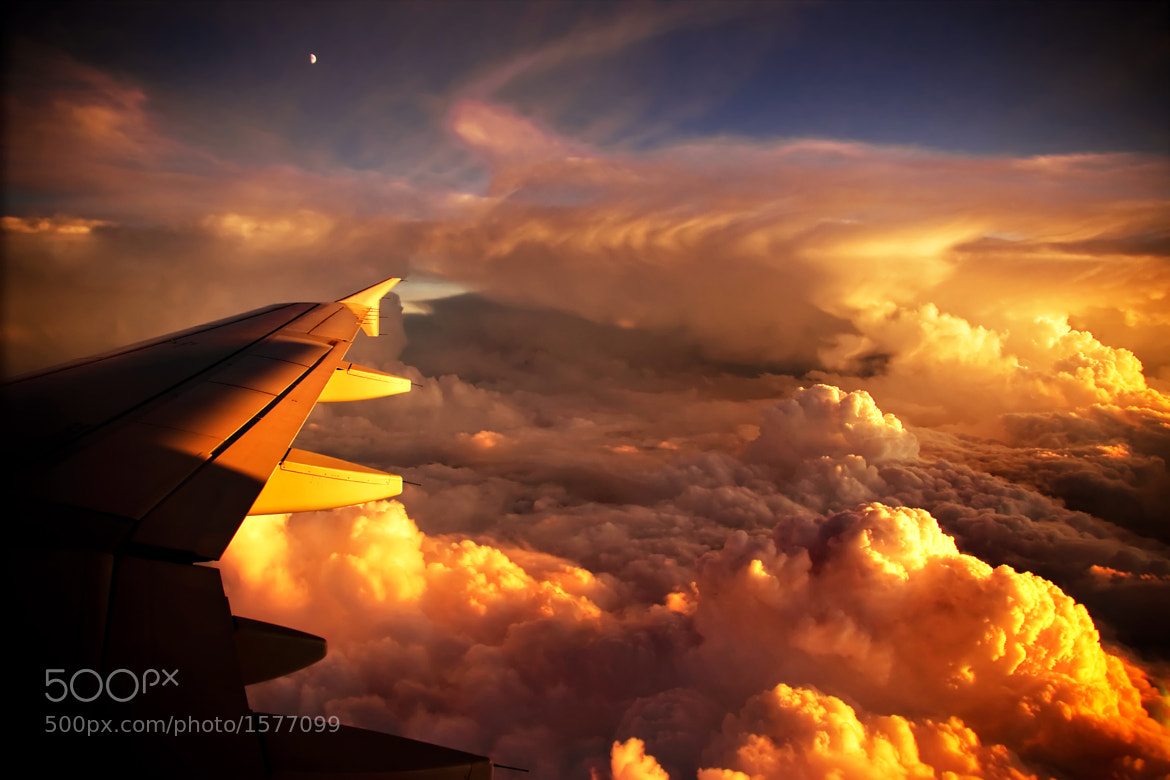 Photograph above the clouds by Edgar Moskopp on 500px