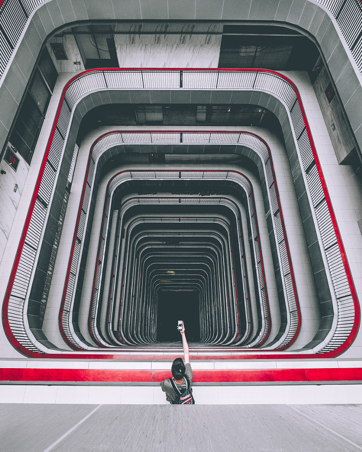 Long way down by Yik Keat Lee on 500px.com