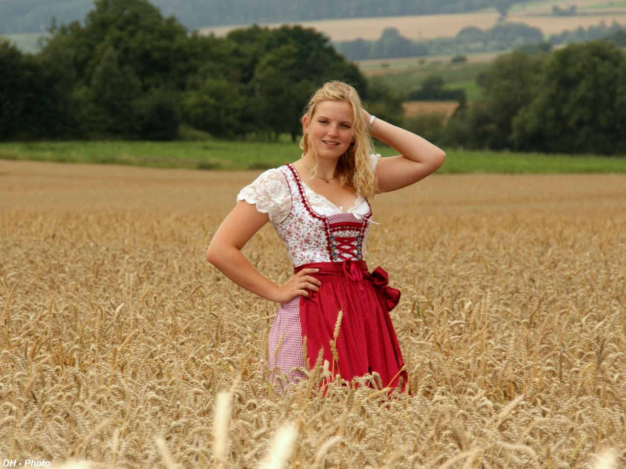 Photograph Beautiful girl in a wheat field by Klaus Heinemann on 500px