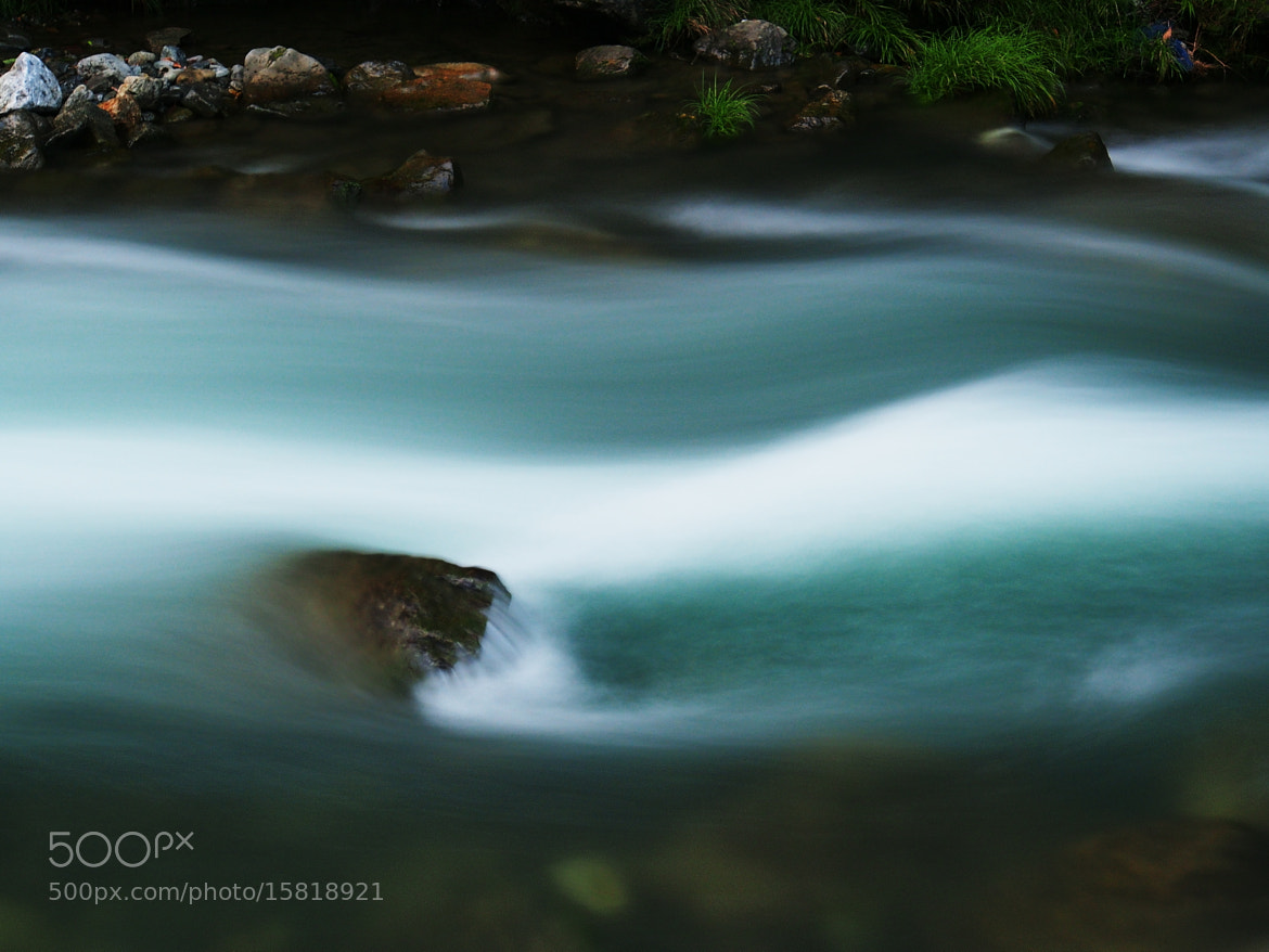 Photograph 蒼い流れ A blue flow by TOS1963 on 500px
