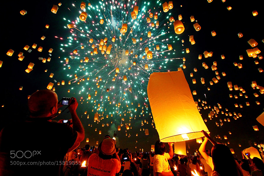 Photograph Floating Lanterns by Bank Charoensook on 500px