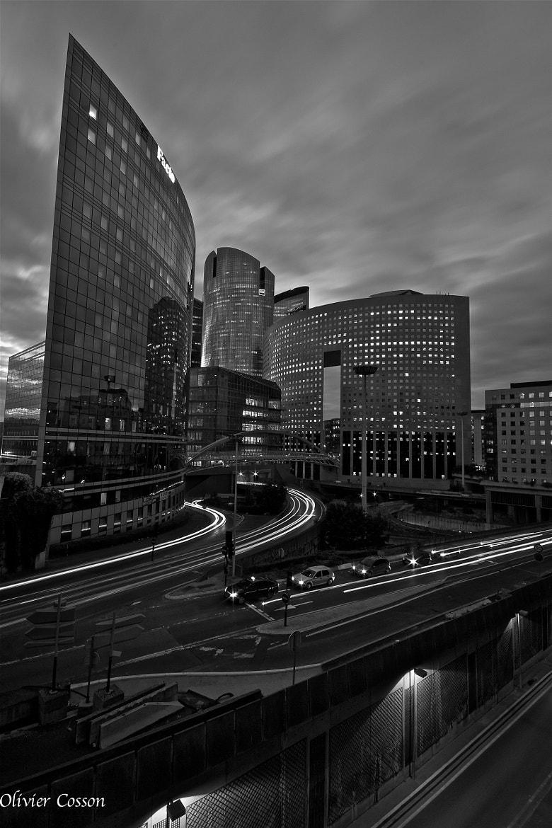 Photograph La Défense by olivier cosson on 500px