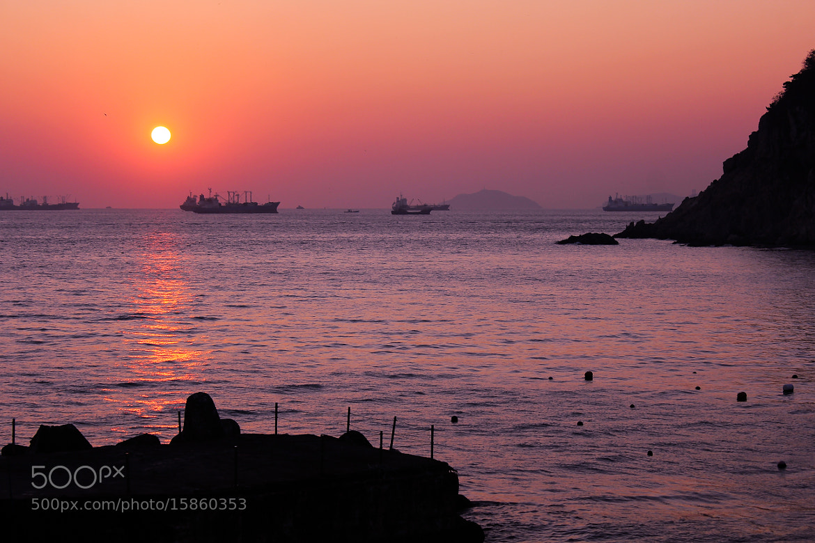 Photograph sunset between ships by Jinsoo Park on 500px