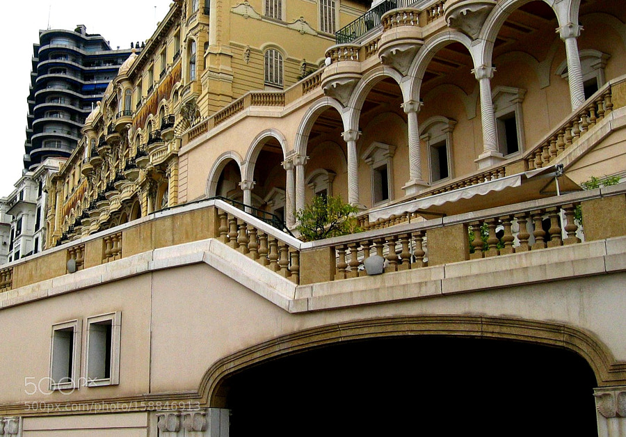 A Monte Carlo mansion, Canon POWERSHOT S410