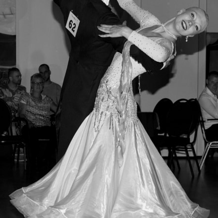 Dancing Couple in Black, Canon EOS 1200D