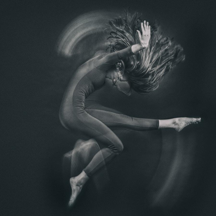Artists © Mihai Cvasnievschi (XaviRo) - http://xavi.ro