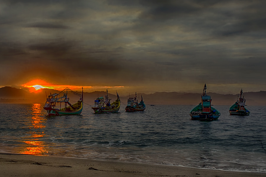 Photograph Parking Boats @ Papuma by Sanya Ad on 500px
