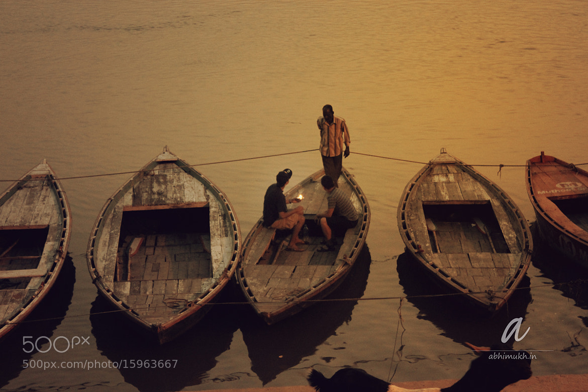 Photograph Pre-dwant at Kedar Ghat in Varanasi  by Abhilash Mukherjee on 500px