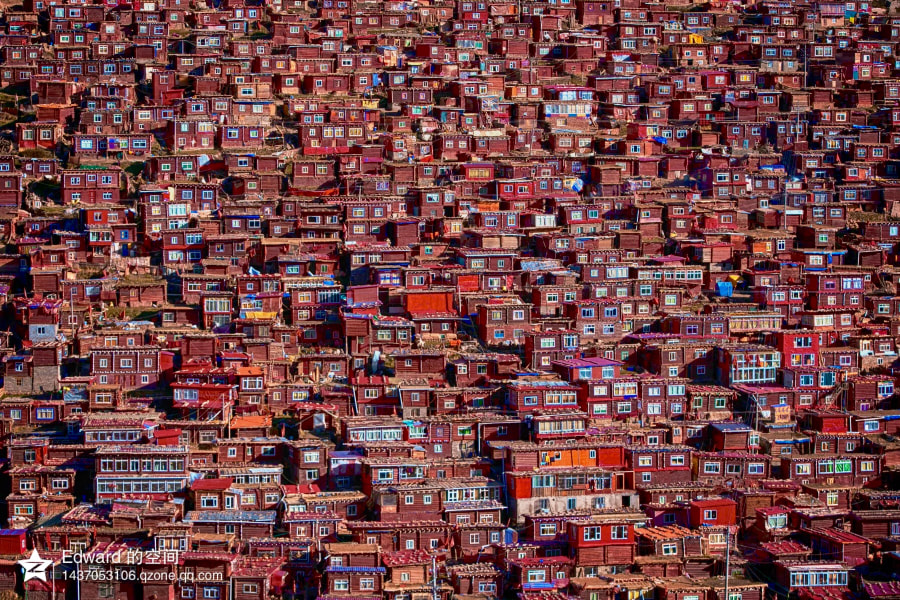 China , Larung Gar WuMing (Five Science) Buddhist Institute by Edward Chen on 500px.com