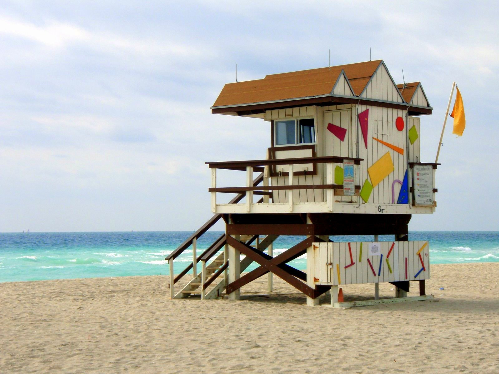 Photograph Lifeguard Hut by Marty Reep on 500px