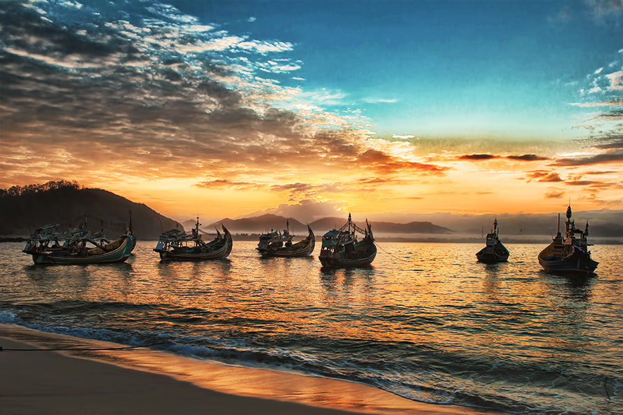 Photograph Parking Boats @ Papuma #3 by Sanya Ad on 500px