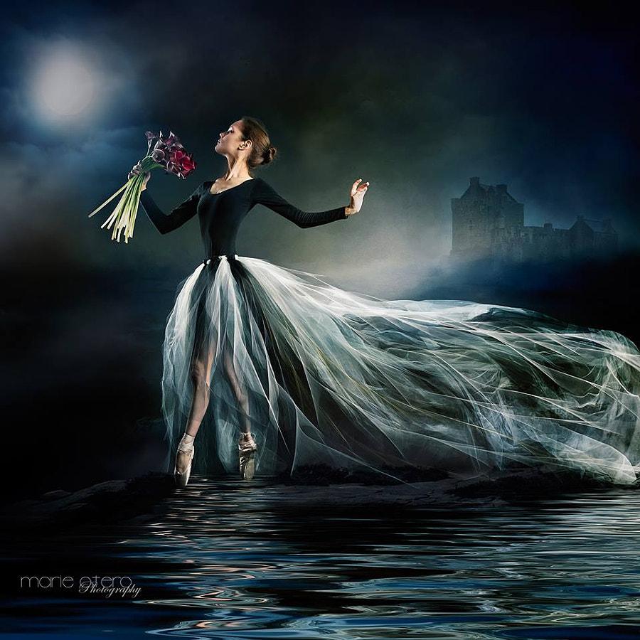 Moondance by Vik Tory on 500px