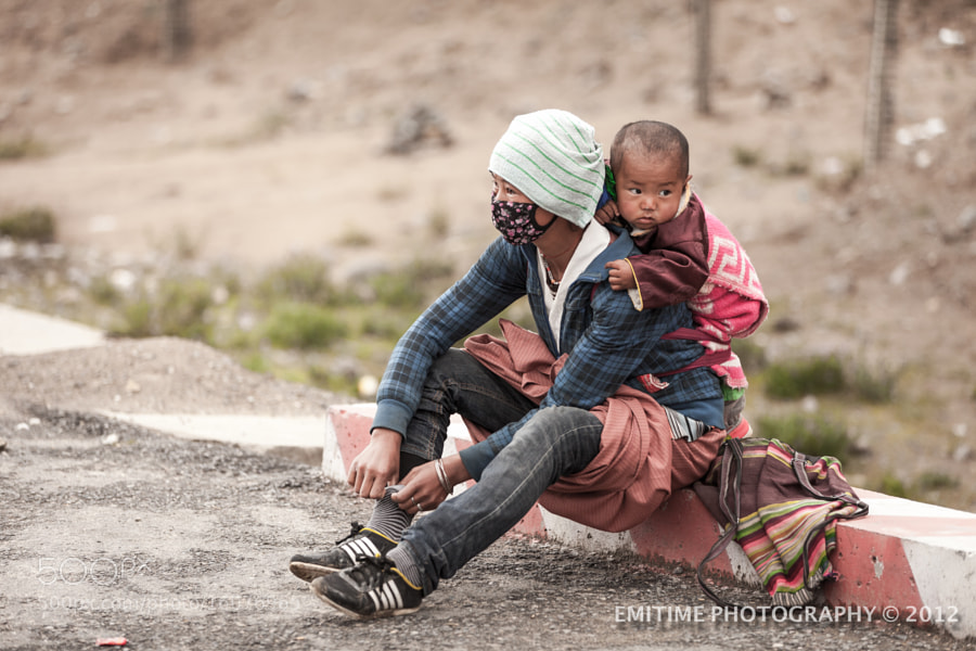 Photograph A single mother from Tibet  by Jeffrey Wong on 500px