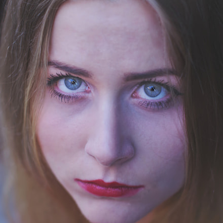 Portrait with blue eyes, Pentax K-S2
