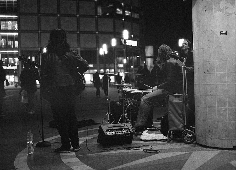 Analog ISO3200 Street performance