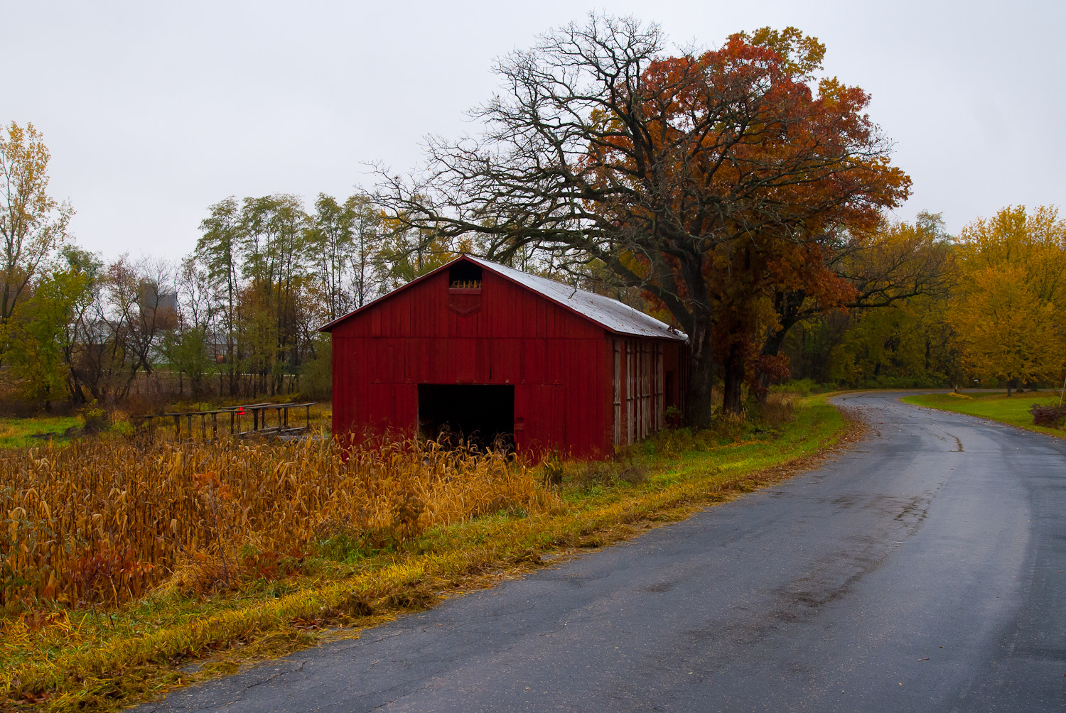 Photograph Tobacco Barn by Scott Hull on 500px