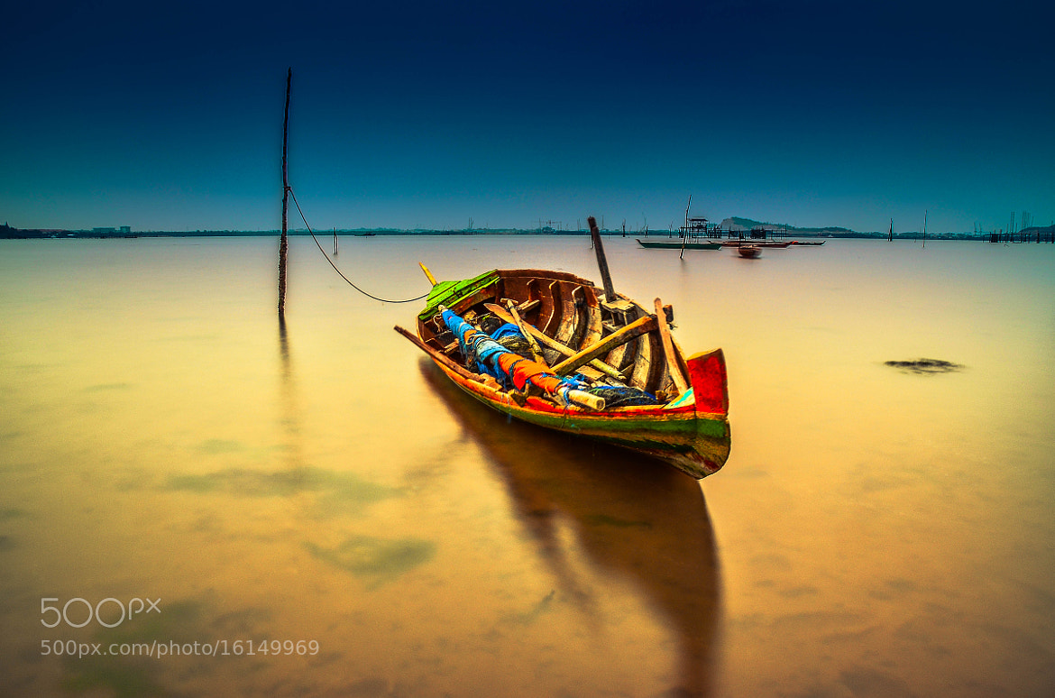 Photograph The Boat by Raja Ghazali on 500px