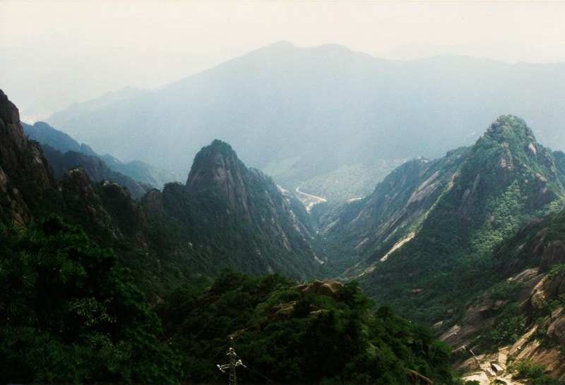 Photograph Anhui - Yellow Mountain 1997 by Arie Boeve on 500px