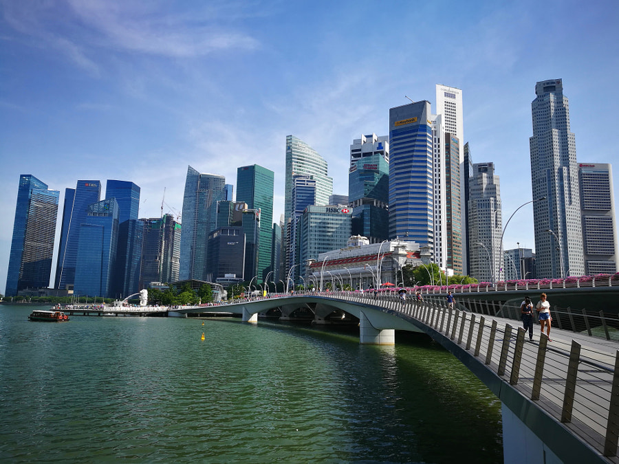 View of Jubilee Bridge and Raffles Place