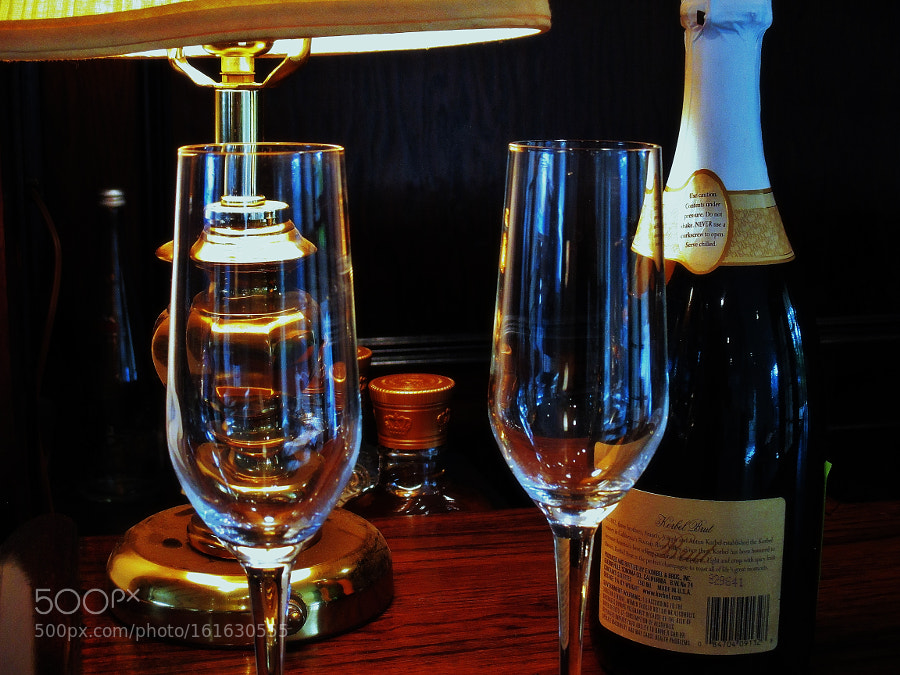 Champagne glasses, Canon POWERSHOT ELPH 140 IS