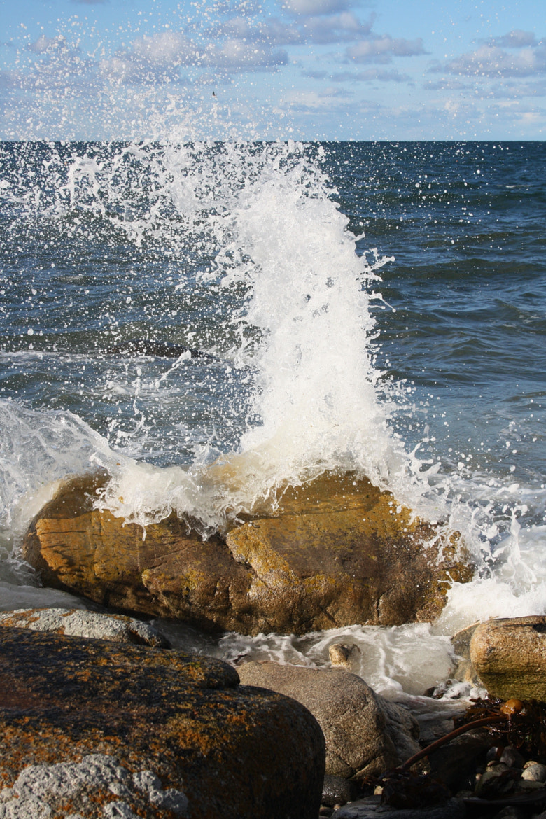 Photograph waves by Lucie Breton on 500px