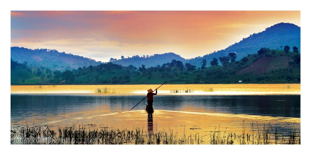 Photograph Lặng Lẽ Bình Minh by Kiên Huyện on 500px