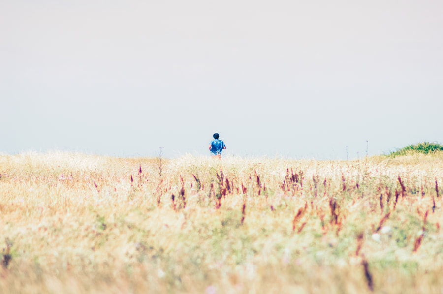 Jogging dans les herbes by Fabrice Denis Photography on 500px.com