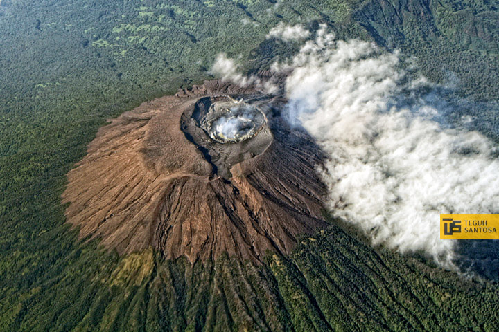 Photograph Top of Slamet Mt. Indonesia by teguh santosa on 500px