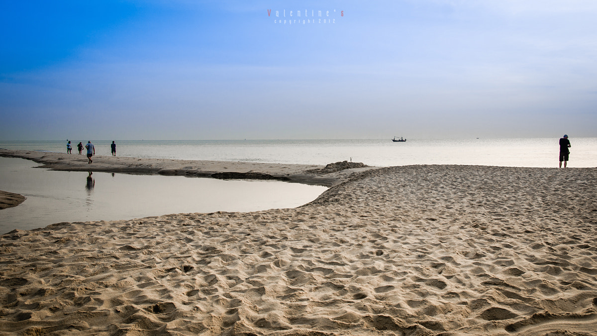 Photograph Cha-am Beach in Thailand by Nutt Valentine on 500px