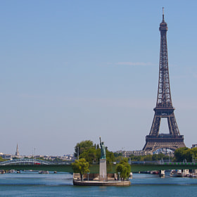A View from Pont Mirabeau by Darren Brown (DTBPhotography)) on 500px.com