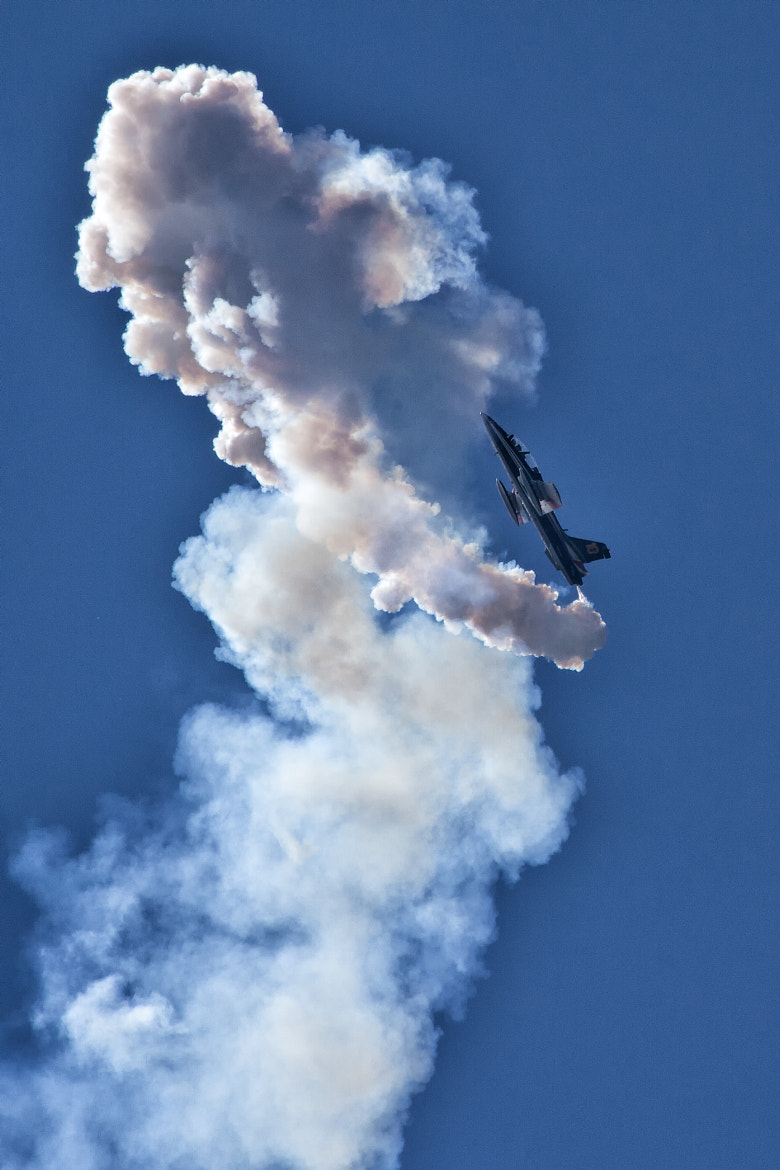 Photograph Frecce Tricolori Spinning ! by Marc Muick on 500px