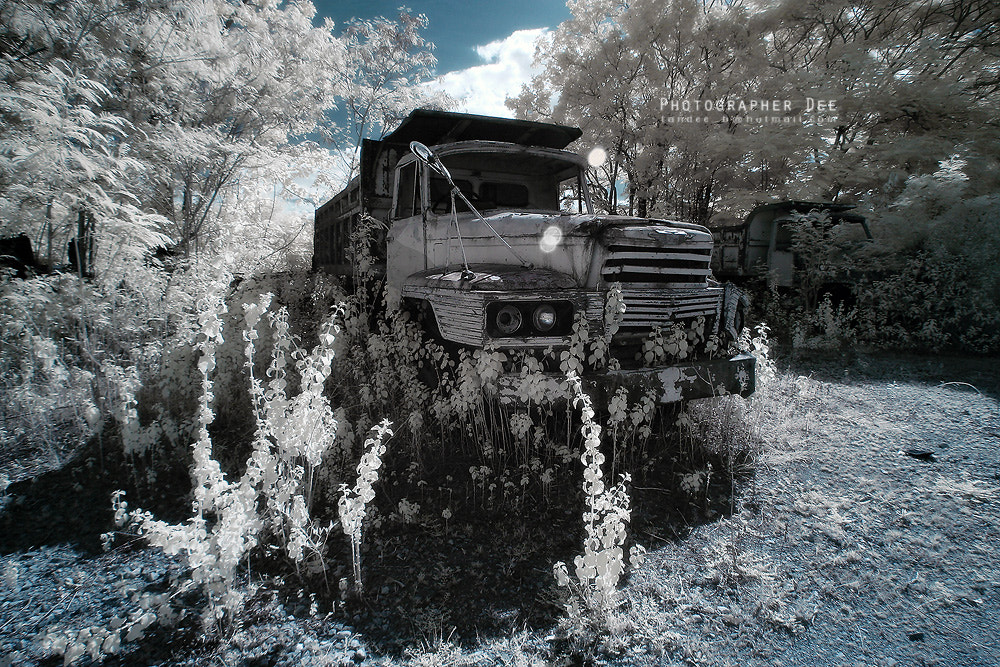 Photograph Abandoned vehicles 1 by Dee Bunpha on 500px
