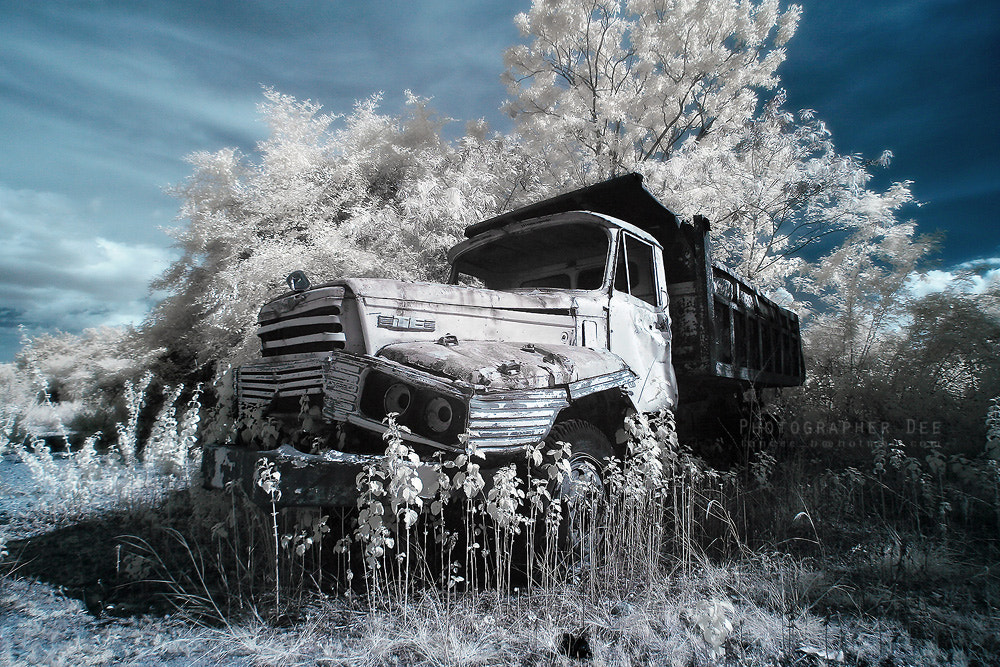 Photograph Abandoned vehicles 2 by Dee Bunpha on 500px