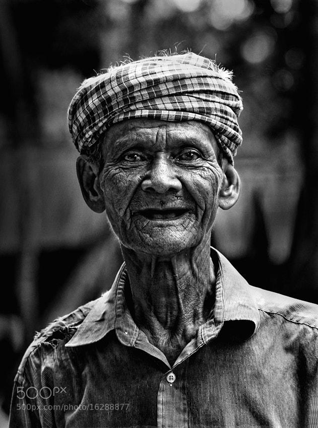 Photograph The old man by Eddy Ngadiwidjaya on 500px