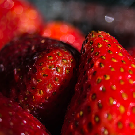 Strawberries, Nikon D7100, Sigma 28-80mm F3.5-5.6 Mini Zoom Macro II Aspherical