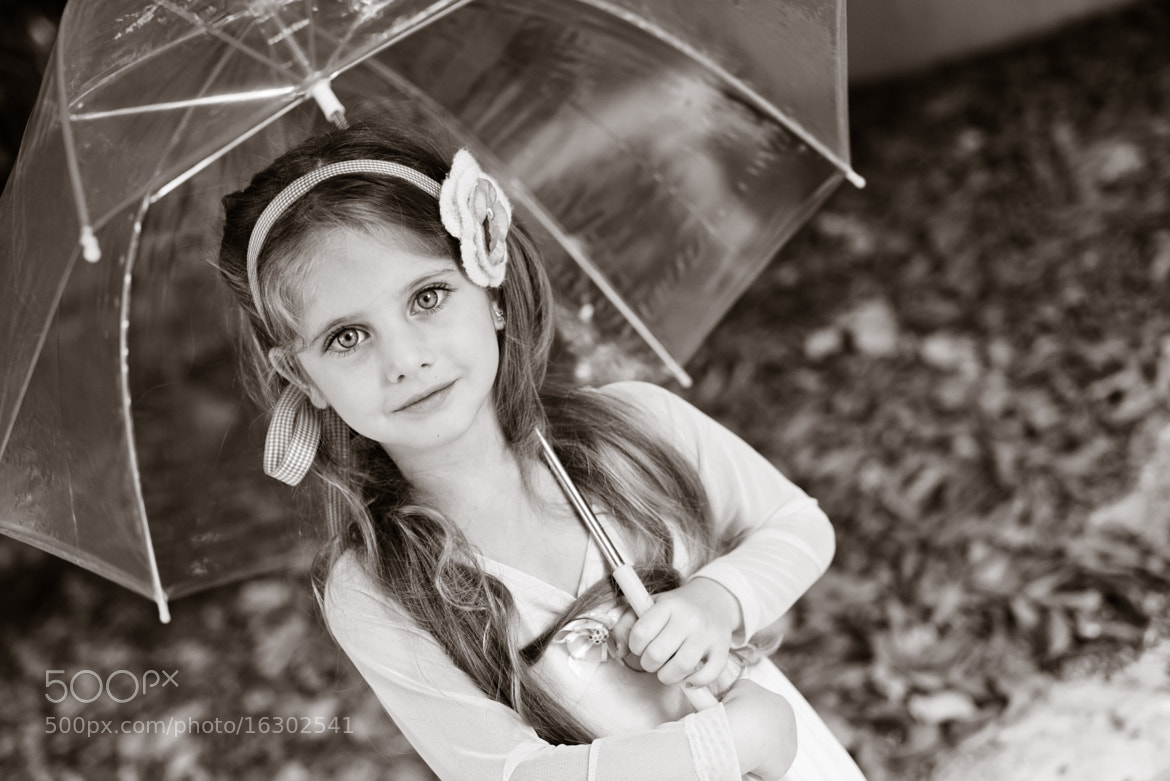 Photograph miss m is waiting for the rain by Aino Shperber on 500px