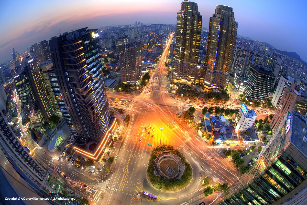 Photograph THIS IS THE CITY LIFE by Hyunsoo Na on 500px