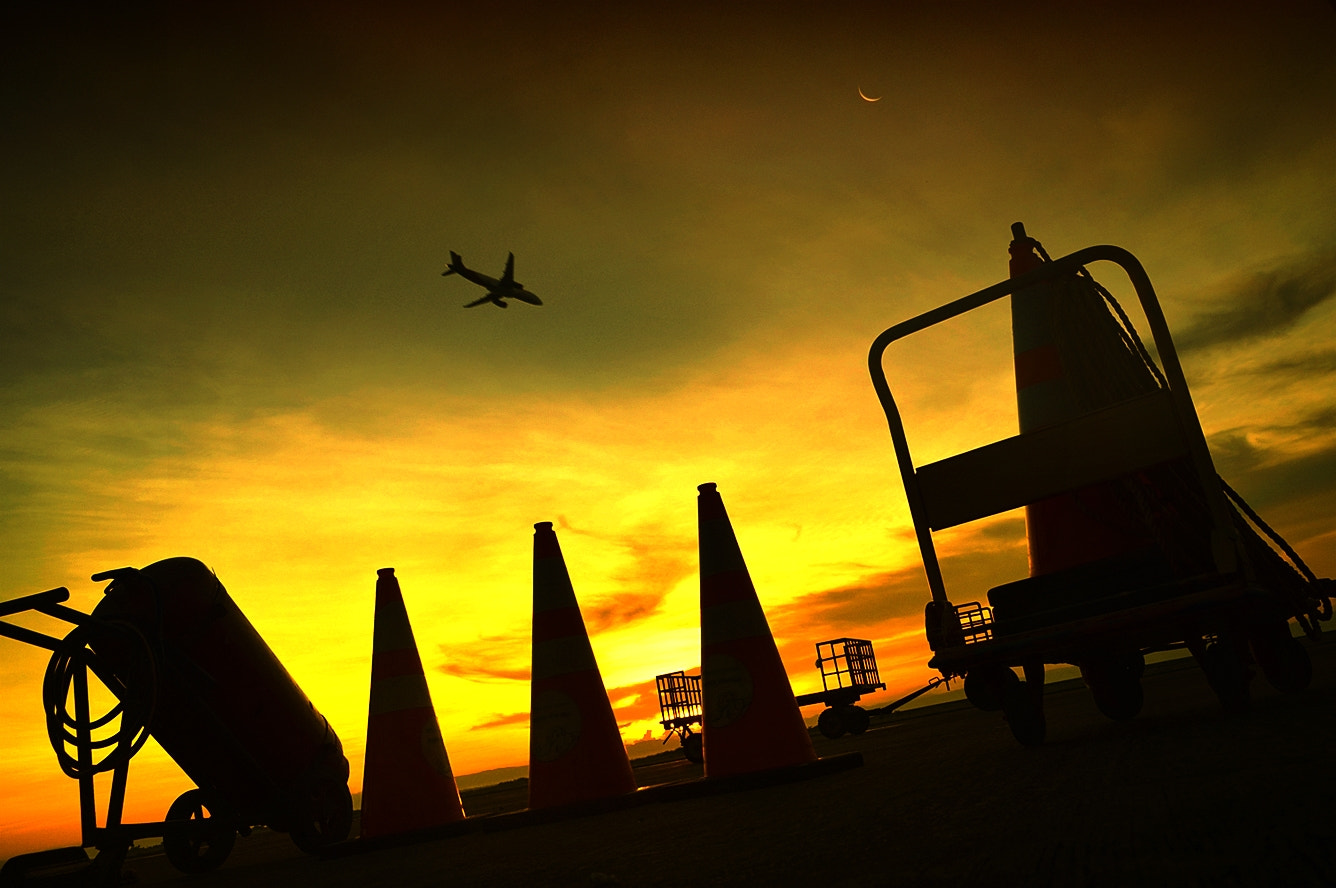 Photograph Another day at the airport by Vey Telmo on 500px