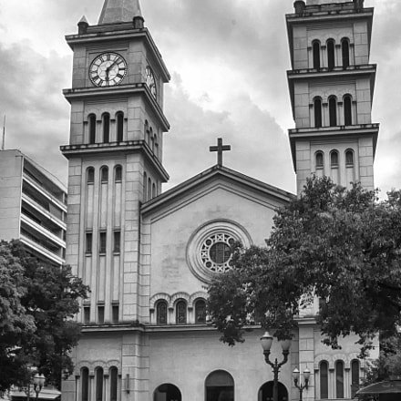 St. Anthony s Cathedral, Nikon D5200, Sigma 18-35mm F3.5-4.5 Aspherical