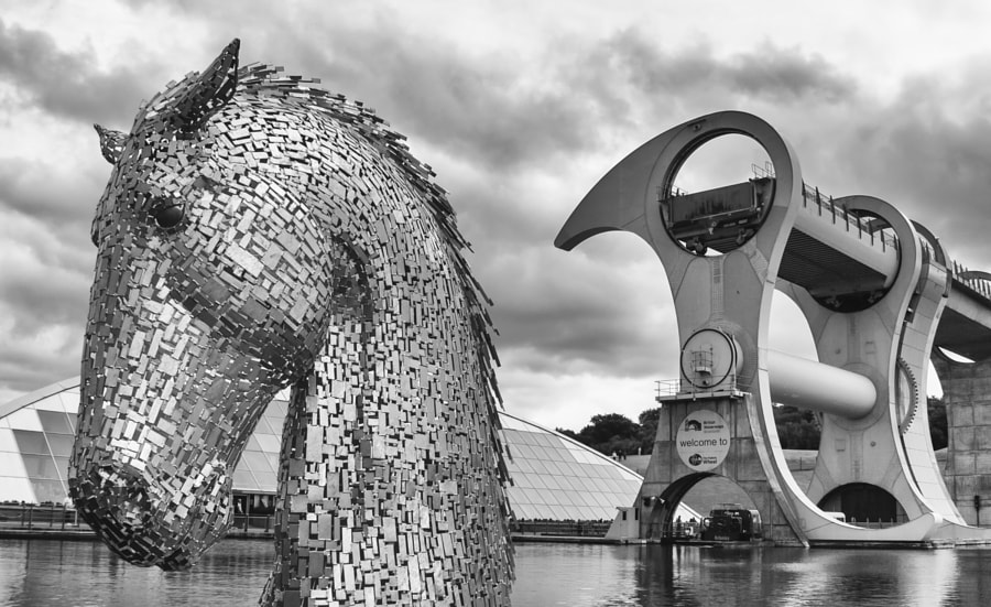 Falkirk Wheel and Kelpie down head